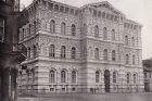 Budova Vyšší dívčí školy ve Vodičkově ulici v Praze (asi 1870)