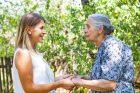 Seniorka, generace, pečovatelka, stáří, hospic, nemoc, demence. Ilustrační foto