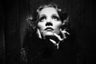 Marlene Dietrich v Šanghajském expresu (1932)