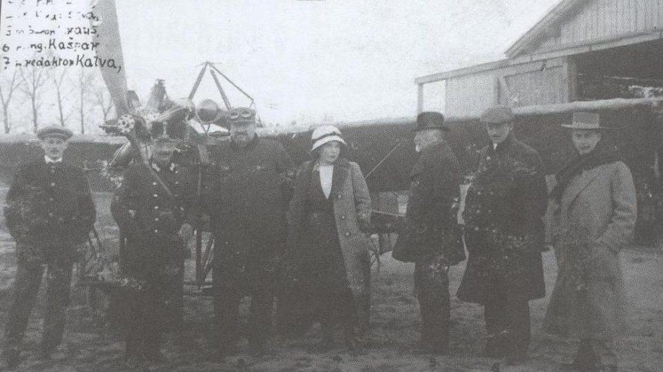 Eugen Čihák (úplně vlevo) a Jan Kašpar (druhý z prava)