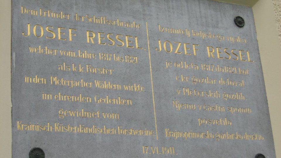 Pamětní deska ve slovinském Pleterje