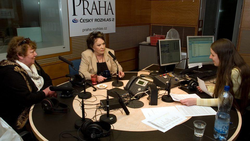Slávka Kopecká, Jiřina Bohdalová a Eva Kvasničková
