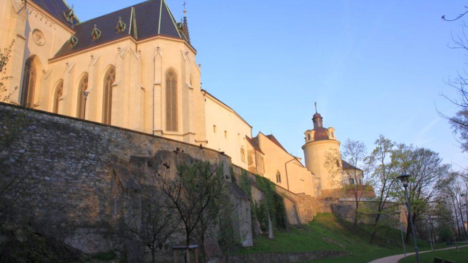 Část vnitřní hradby pod Dómem sv. Václava