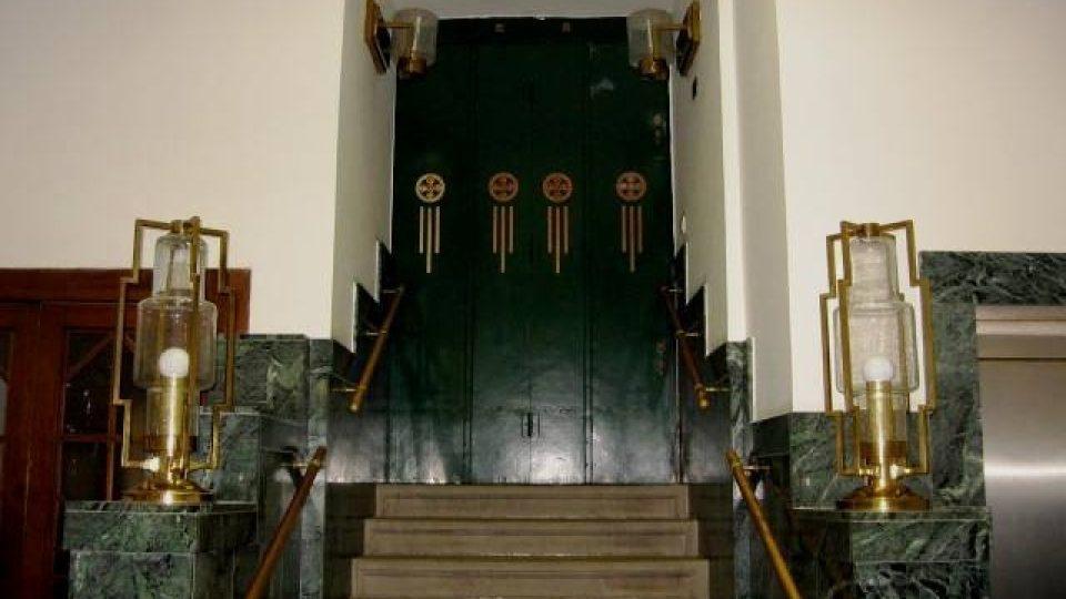 Třeboň - interiér banky podle návrhu třeboňského rodáka Viléma Kvasničky