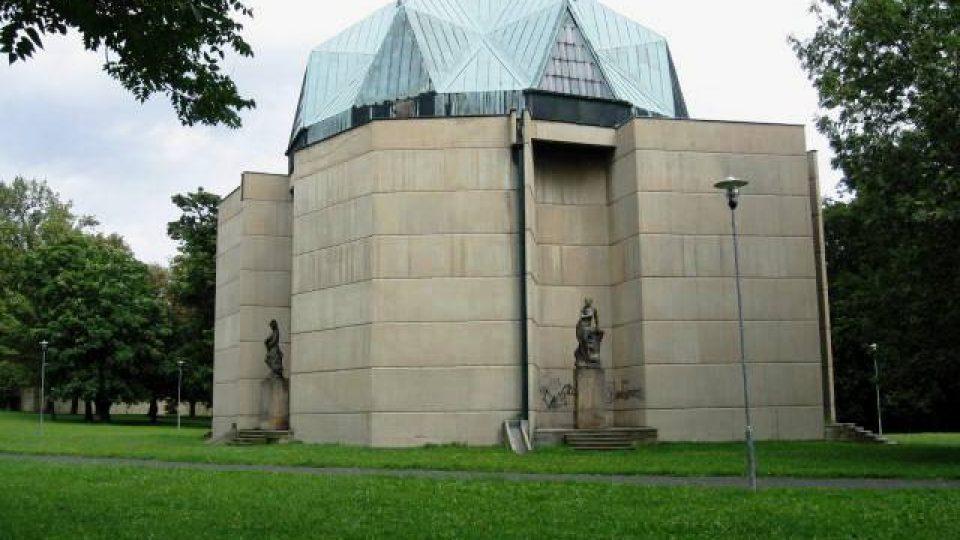 Duchcov - pavilon pro Reinerovu fresku podle návrhu arch. Jana Sokola