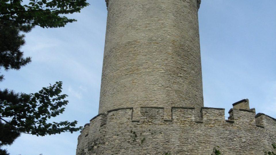 """Kokořínská věž - věž """"bez jediného okénka"""" jak ji popisuje Mácha v Cikánech"""