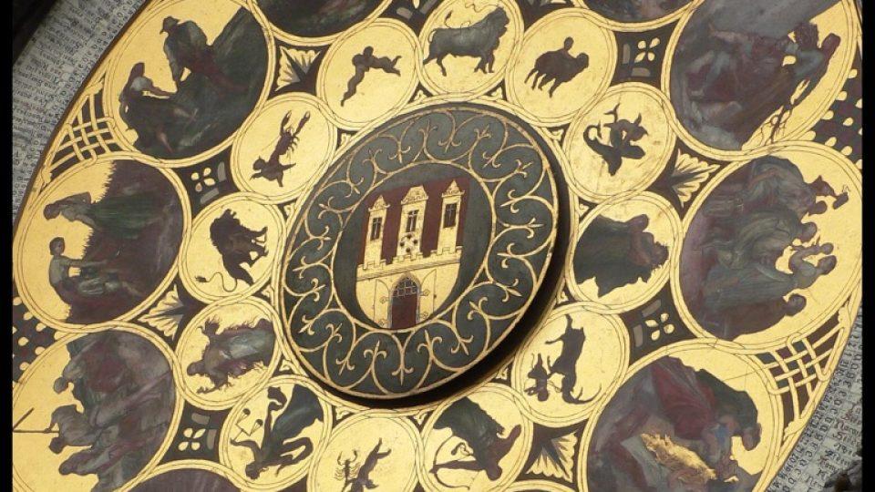 Kalendářní deska od J. Mánesa na věži Staroměstské radnice