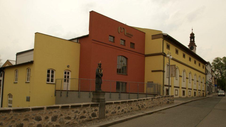 Podbrdské muzeum v Rožmitále pod Třemšínem, bylo otevřeno v létě 2010 a je zde také velká expozice J. J. Ryby