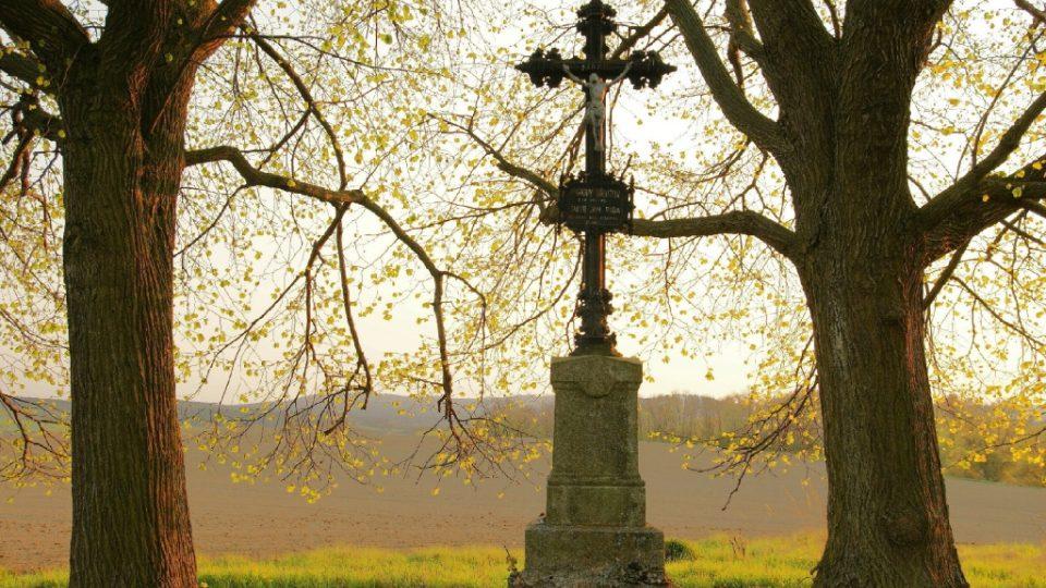 Pomník na bývalém morovém hřbitově v Rožmitále pod Třemšínem připomínající pohřbení J. J. Ryby, byl zde pohřben 40 let do roku 1855