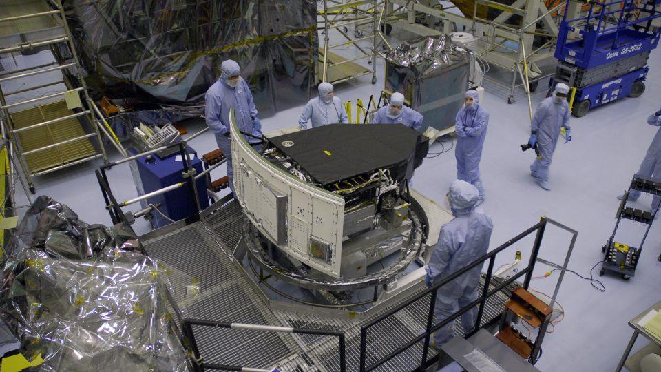 Wide Field Camera 3, v Hubblově dalekohledu nahradila v květnu 2009 starší zařízení (Wide Field and Planetary Camera 2).