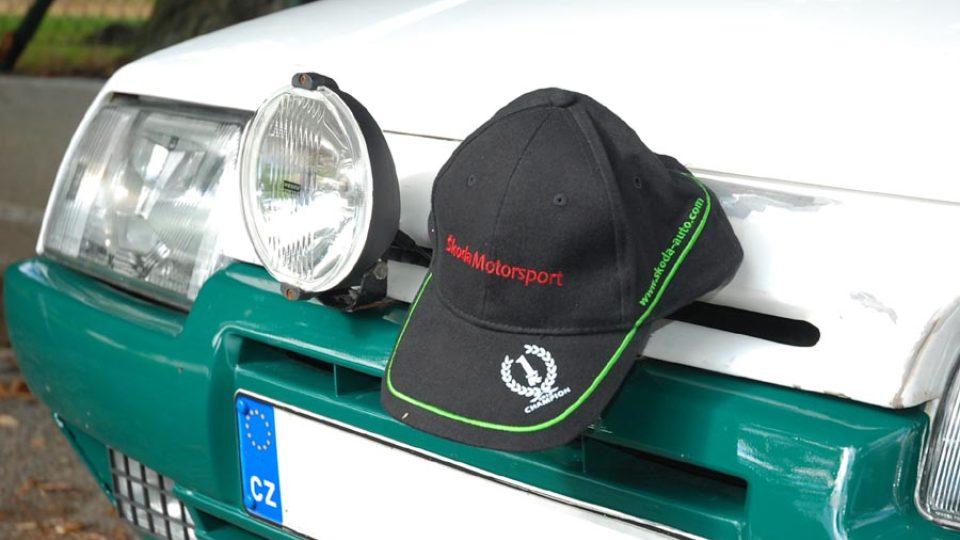 Na voze nesmí chybět ani přídavná světla