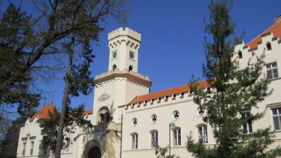 Zámek v Sokolnicích