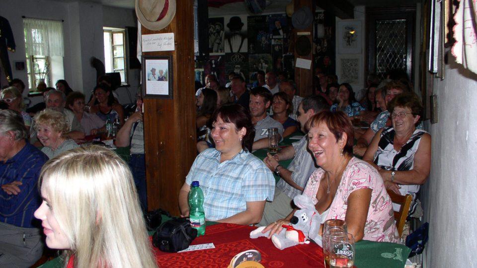 Hosté v Divadla U Hasičů