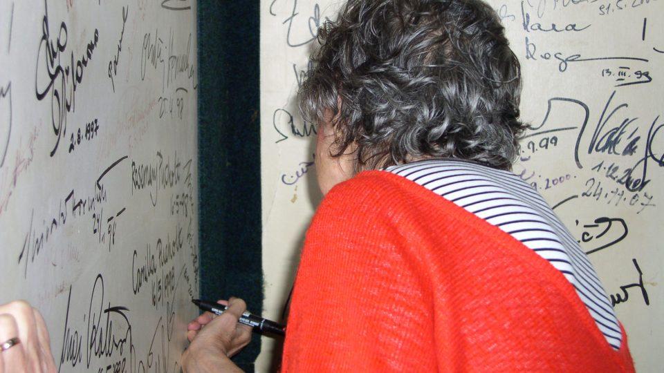 Nezbytný podpis na stěnu Nostalgické myši