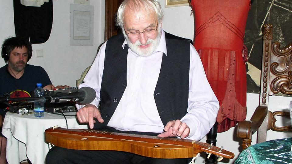 Jaroslav Krček nám na dulcimer také zahrál