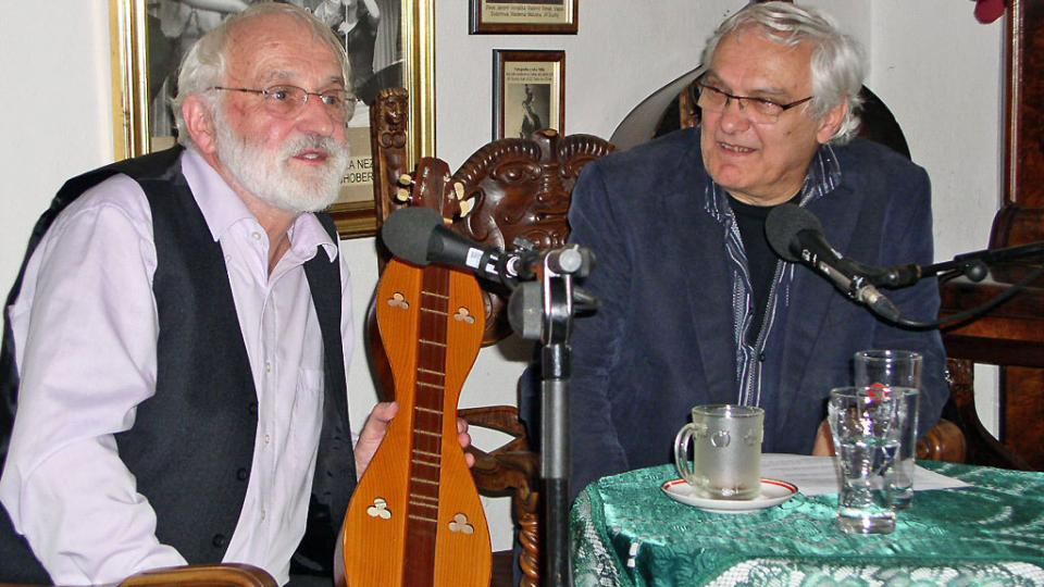 Jaroslav Krček a Ondřej Suchý, oba zamyšlení