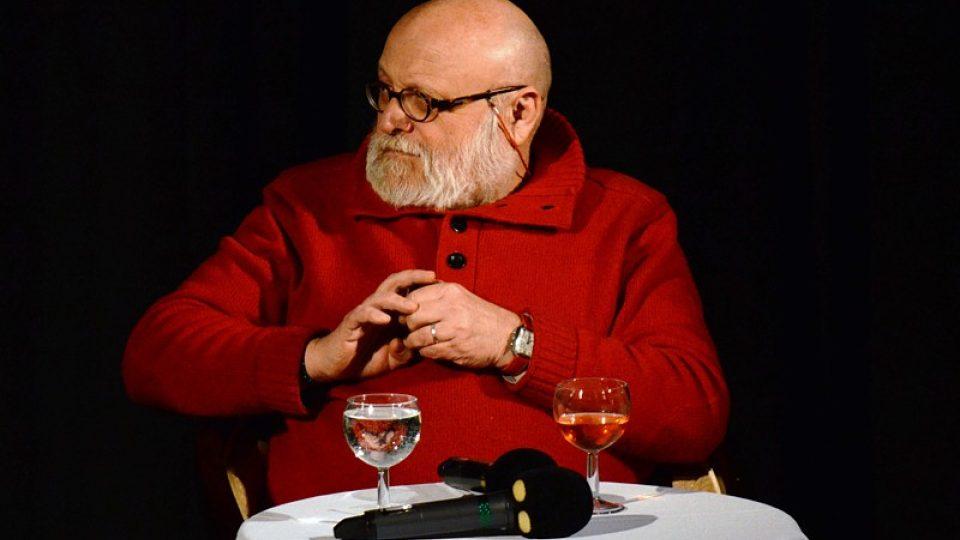 Arnošt Goldflam je další ze sbírky zajímavých hostů u lenošky