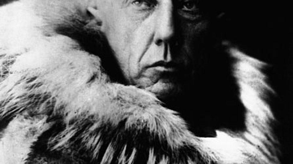 Roald Amundsen v obleku polárníka