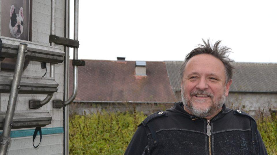 Jaroslav Samson Lenk dorazil do Nostalgického muzea s karavanem Rádia Samson