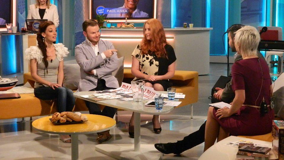 Dasha a Jan Smigmator při společném vystoupení v Dobrém ránu s Českou televizí