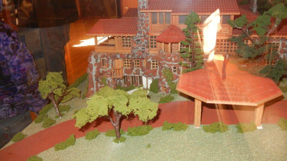 Model Vlčího domu