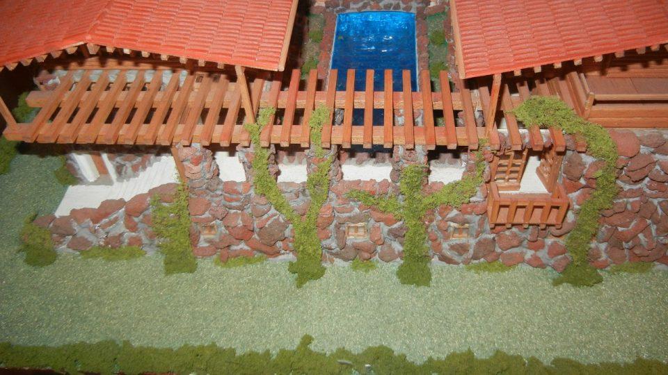 Detail modelu Vlčího domu