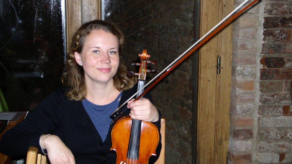 Když si dá houslistka dvacet