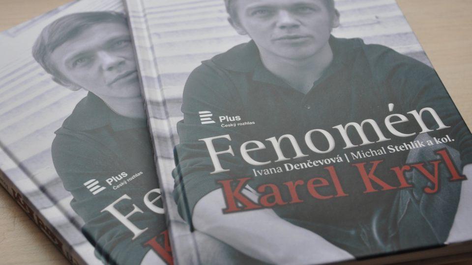 Kniha Fenomén Karel Kryl