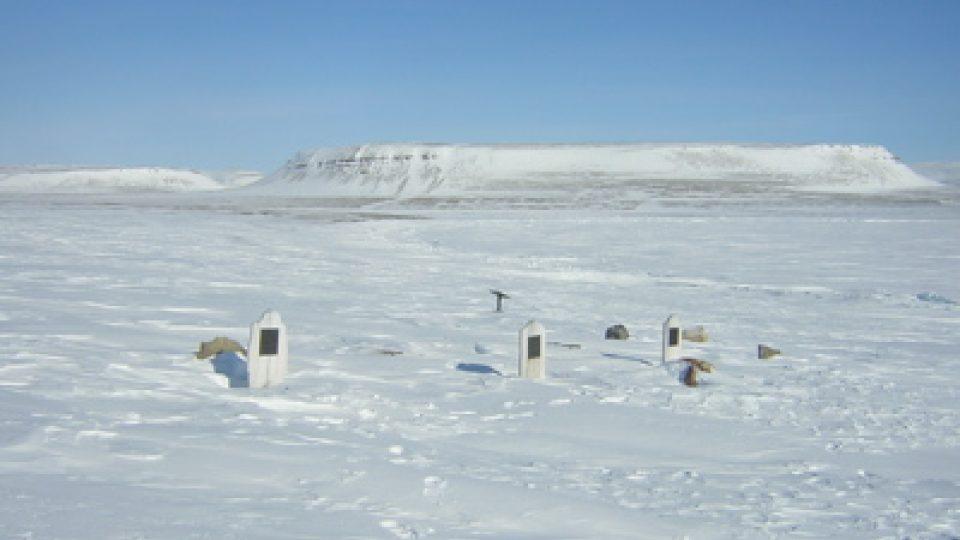 Hroby posádky Franklinovy expedice na Beechey Island