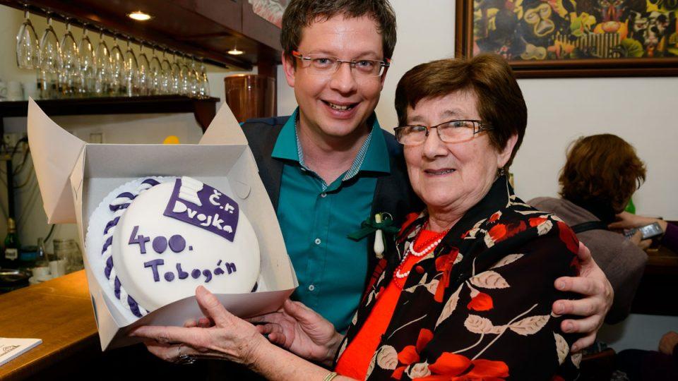 Aleš Cibulka dostal od posluchačky krásný dort