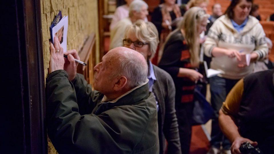 """""""Pane Zindulko, prosím ještě podpis na památku!"""""""