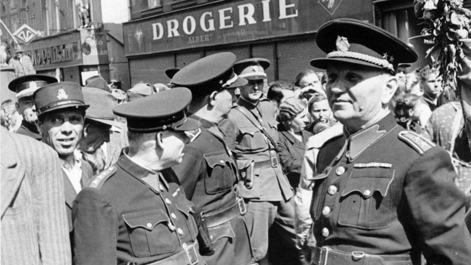 Stejnokroj protektorátní policie (květen 1945)