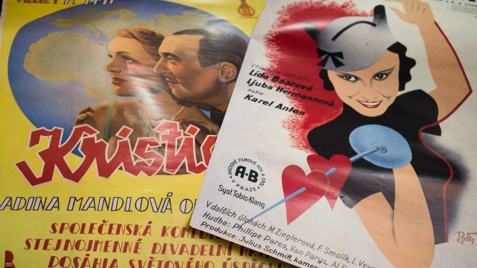 Vítězslav Tichý vlastní i staré plakáty a fotosky