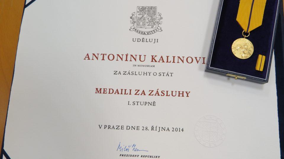 Medaile pro Antonína Kalinu