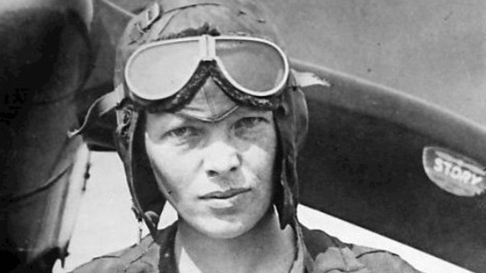 Amelia Earhartová těsně před transatlantickým letem v roce 1928