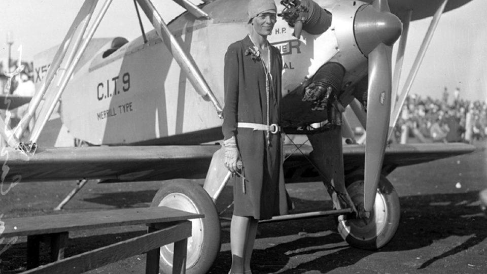 Amelia Earhartová (kolem roku 1928)