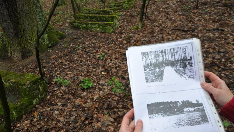 V jednom z lesíků jsou ještě patrné zbytky táborových baráků