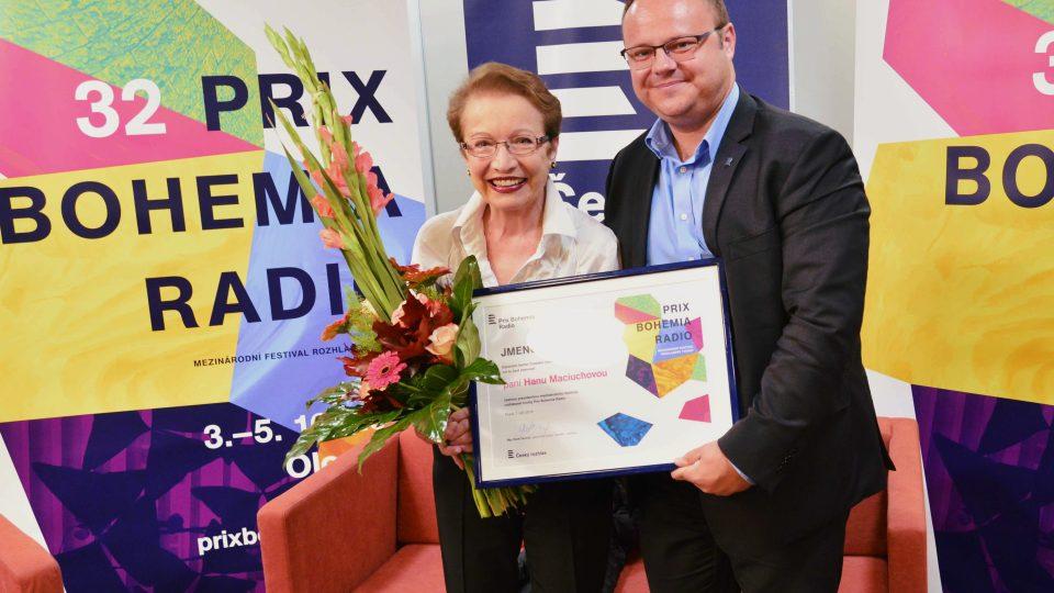 Hana Maciuchová byla jmenována generálním ředitelem Českého rozhlasu Reném Zavoralem čestnou prezidentkou festivalu Prix Bohemia Radio 2016