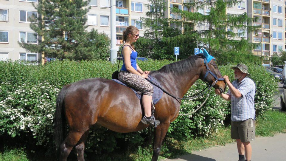 Pavel Rada s koněm Lakym a Erikou
