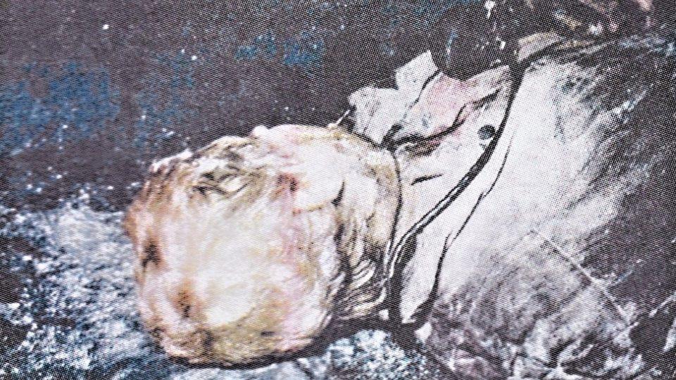 Tělo zavražděného (detail)