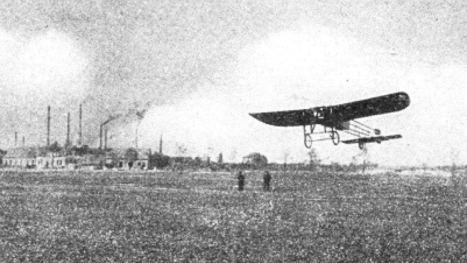 Vzlet Kašparova letadla v Pardubicích