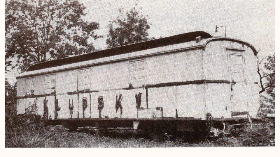 Ředitelská maringotka Karla Kludského, která pak léta stála na zahradě v Jirkově