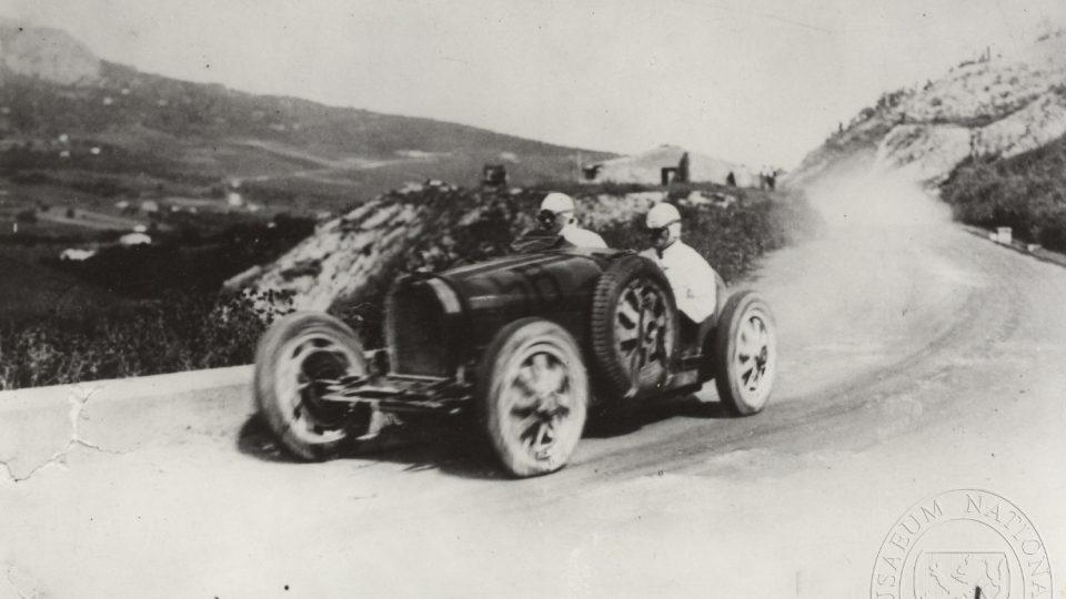 Eliška Junková při závodu Targa Florio (1928)