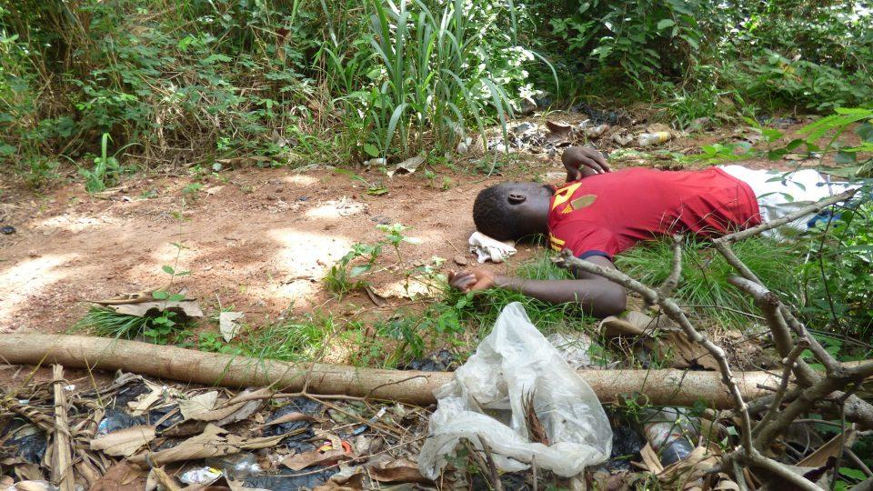 Silasi pracující na kakaové plantáži padl vyčerpáním