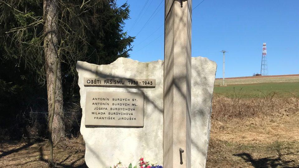 Památník na místě smrti Antonína Burdycha ml.