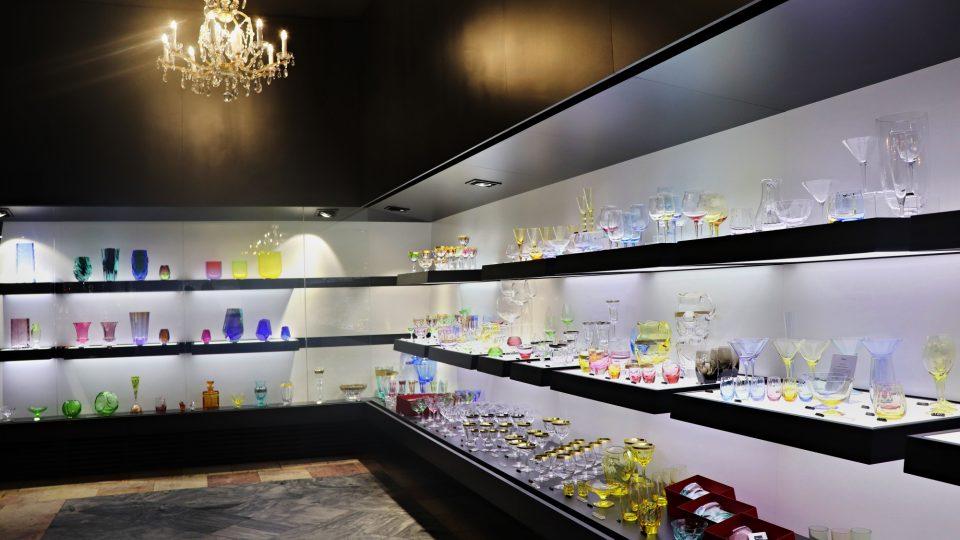 V galerii Moseru můžete vidět stovky výrobků i si je zakoupit