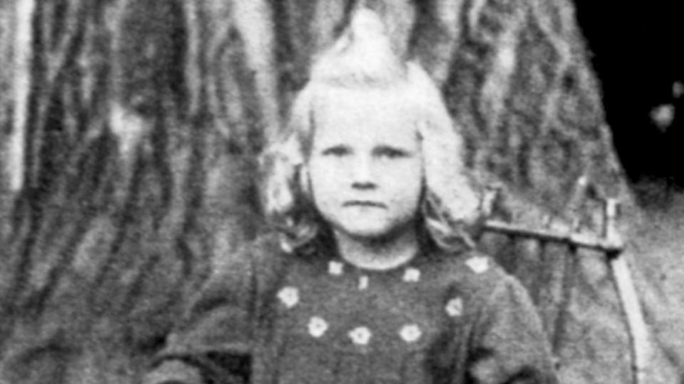 Eva Pilarová, po prázdninách 1945 nastoupila do školy