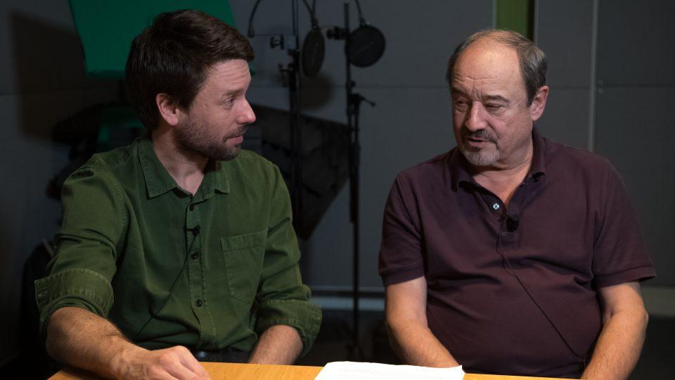 Viktor Preiss a Václav Neužil při natáčení rozhlasové hry Okno smrti