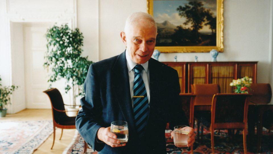 V osmdesátých letech si čeští posluchači spojili Hlas Ameriky se jménem Ivan Medek (na snímku)