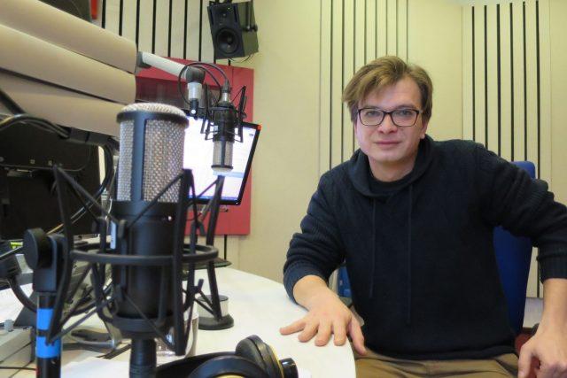 Jan Sklenář ve studiu Českého rozhlasu Hradec Králové   foto: Milan Baják,  Český rozhlas